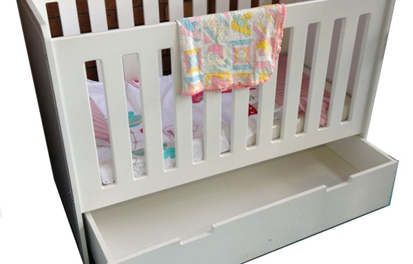 Chelsea Baby Cot with 1 Big Drawer