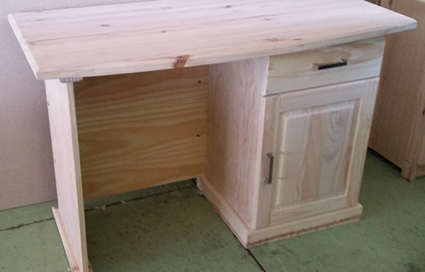 1 Door 1 Drawer Windsor Desk