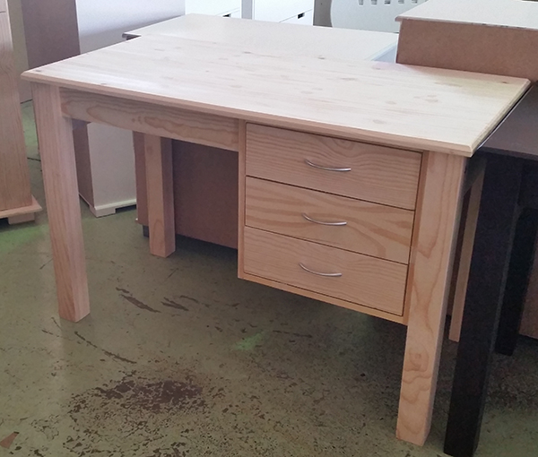 3 Drawer Rouven Desk