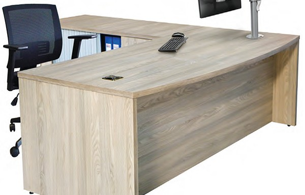 Discovery Executive Desk with Pedenza