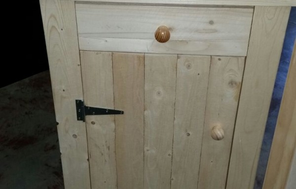 Pallet 1 Door + 1 Draw Cabinet