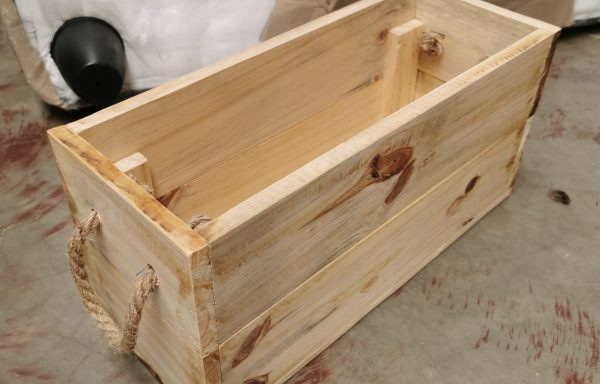Planter box tou handle
